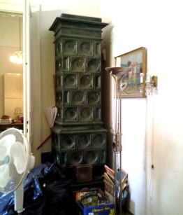 Eladó antik cserépkályha zöld zsolnai cserépből, építéssel